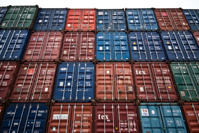 Tα $3,3 δις άγγιξαν οι εξαγωγές του Μπαγκλαντές!