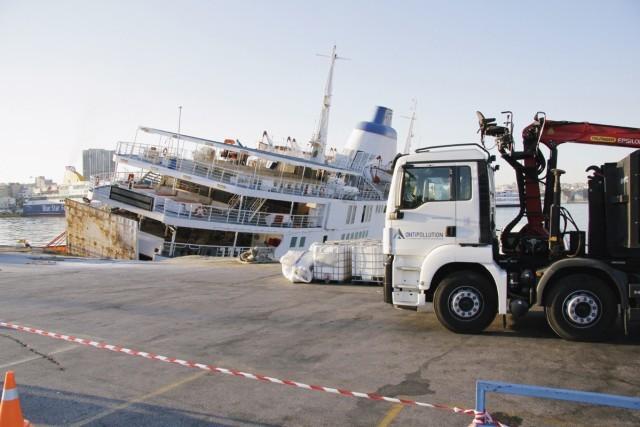 Απομακρύνεται εκτός Λιμενικής Ζώνης ΟΛΠ, το ναυάγιο Ε/Γ-Ο/Γ «ΠΑΝΑΓΙΑ ΤΗΝΟΥ»