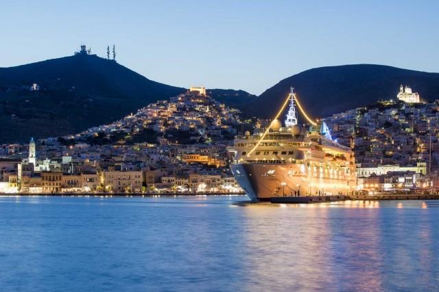 Το κρουαζιερόπλοιο Celestyal Nefeli θα πάρει τη σκυτάλη από το Celestyal Olympia