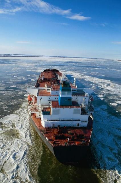 Πλοίο της Euronav. Η εταιρεία πρόσφατα πραγματοποίησε παραγγελία δύο Iceclass Suezmax.