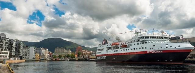 Συνομιλίες για πιθανή πώληση της Hurtigruten