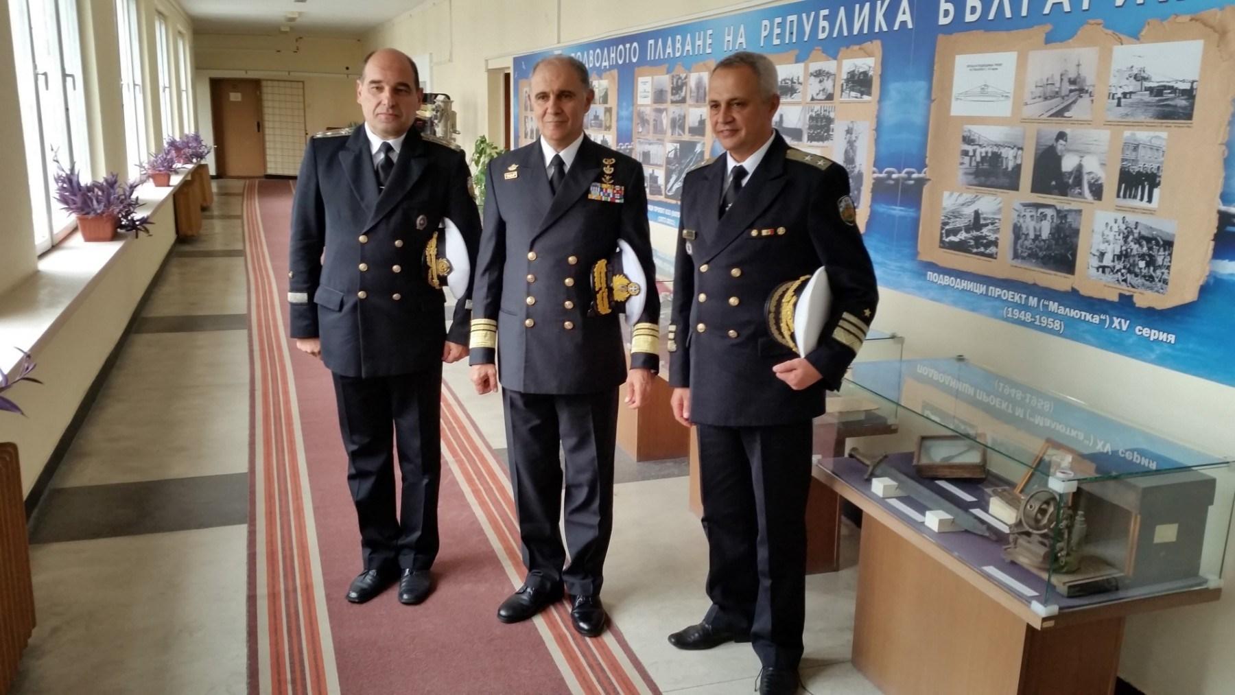 Στιγμιότυπο από την επίσκεψη του Αρχηγού ΓΕΝ, Αντιναύαρχου Γεώργιου Γιακουμάκη ΠΝ, στη Βουλγαρία