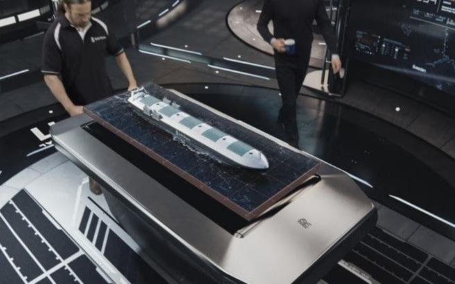 Η Νορβηγική κυβέρνηση δημιουργεί την πρώτη περιοχή δοκιμής για μη επανδρωμένα πλοία -drone ships- στον κόσμο. Στη φωτογραφία παρουσιάζεται στιγμιότυπο από βίντεο μη επανδρωμένου πλοίου που  έδωσε στη δημοσιότητα η Rolls-Royce