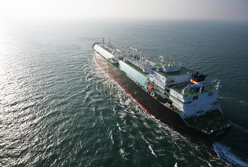 """Η MISC Berhad (""""MISC""""), πραγματοποίησε την τελετή ονοματοδοσίας και παράδοσης του νέου της πλοίου μεταφοράς LNG, «Seri Camellia», του πρώτου της σειράς των ΜOSS-Type LNG Carriers"""