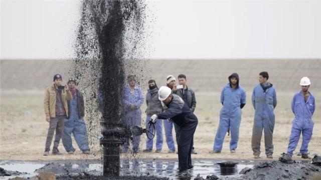 Το Ιράκ προσαρμόζει τους πετρελαϊκούς στόχους της χώρας