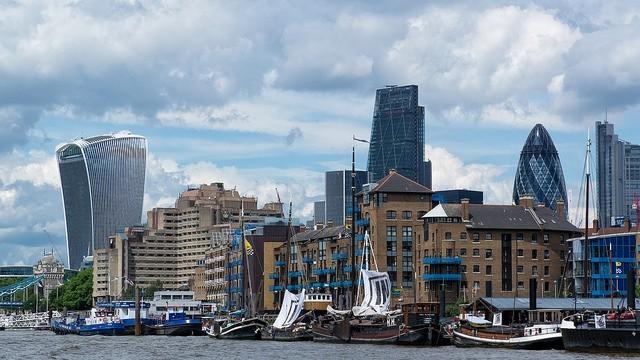 Αλλαγή στην επενδυτική πολιτική για τη Μεγ. Βρετανία στον απόηχο του Brexit