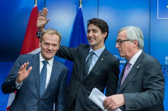 Η Ε.Ε. και ο Καναδάς υπέγραψαν την Κυριακή 30 Οκτωβρίου 2016 στις Βρυξέλλες, τη συμφωνία ελεύθερου εμπορίου μεταξύ των δύο πλευρών (Comprehensive Economic and Trade Agreement – CETA)