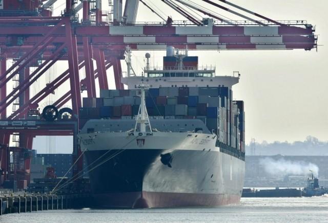 Χαμηλό 1,5 έτους για το εμπορικό έλλειμμα των ΗΠΑ