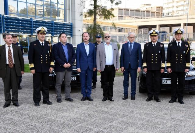 Η Ένωση Ελλήνων Εφοπλιστών προσέφερε δέκα επιβατηγά οχήματα στο Λ.Σ.