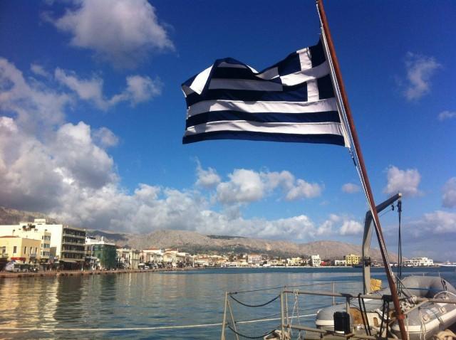 Στη Λευκή Λίστα του ΙΜΟ παραμένει η ελληνική σημαία
