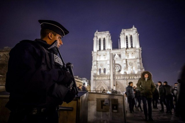 Security measures at Notre Dame Cathedral in Paris