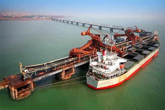 Η Κίνα σχεδιάζει την περαιτέρω περιστολή της παραγωγής χάλυβα και άνθρακα
