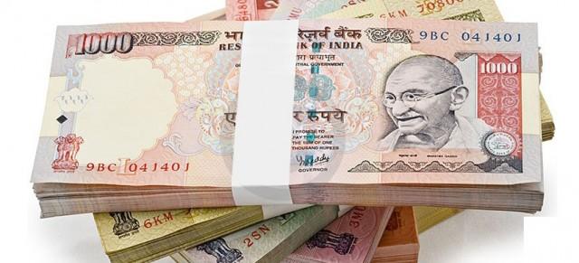 Η νομισματική πολιτική της Ινδίας επηρεάζει λιανεμπόριο και πετροχημικά