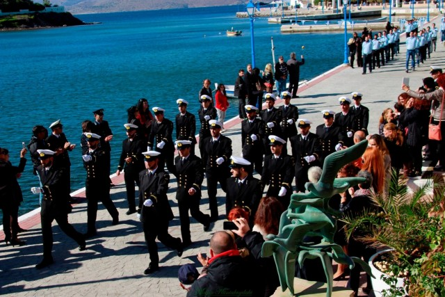 Νέες Σχολές στη Χίο και στις Οινούσσες: ένα βήμα εμπρός και δύο πίσω (;)