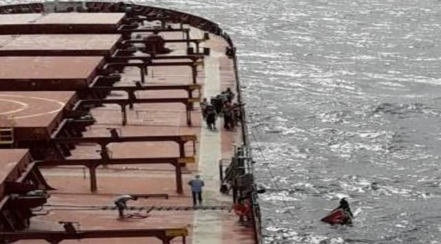 Το πλοίο m/v «Ηispania Graeca» διασώζει τέσσερις Φιλιππινέζους ναυαγούς