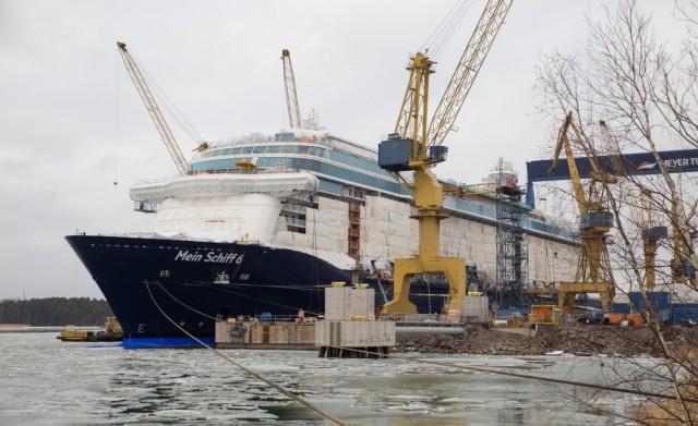 Οι ναυπηγήσεις νέων κρουαζιερόπλοιων καλά κρατούν