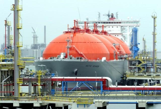 Το Ρότερνταμ εισέρχεται δυναμικά στην αγορά του LNG