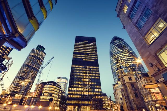 Σε αναζήτηση νέας έδρας εκτός Ηνωμένου Βασιλείου αρκετοί κολοσσοί του τραπεζικού τομέα