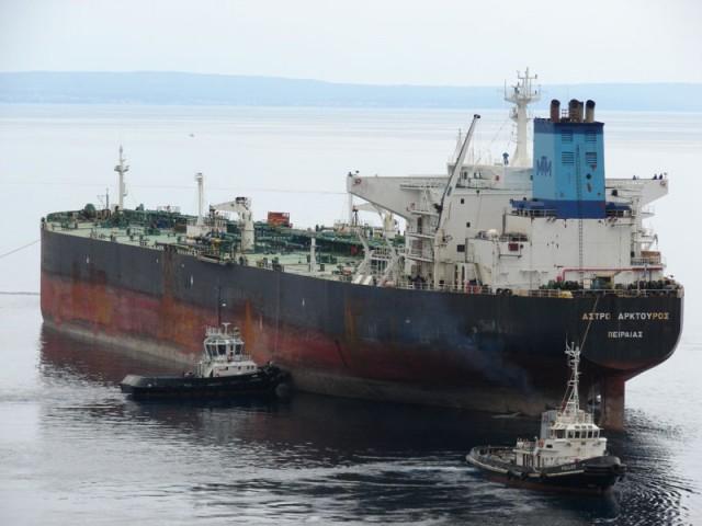 Ευχές του ΥΝΑ  στους Πλοιάρχους και τα πληρώματα δύο δεξαμενόπλοιων