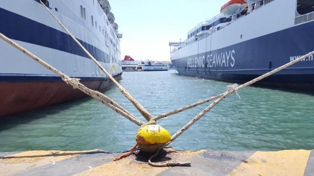 Δεμένα τα πλοία στα λιμάνια στις 16 και 17 Μαΐου λόγω απεργίας της ΠΝΟ