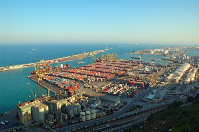 Η Ε.Ε. χρηματοδοτεί το λιμάνι της Βαρκελώνης
