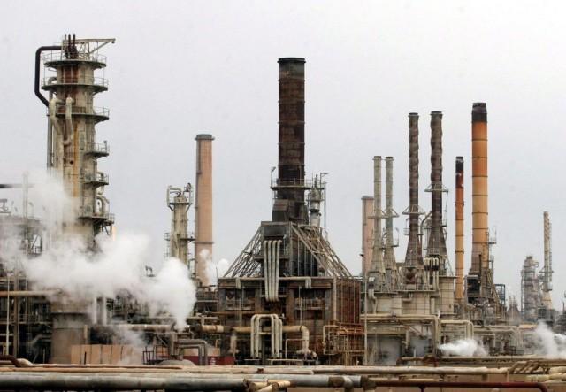 Ο OPEC παρατείνει την ισχύ των μειωμένων επιπέδων παραγωγής πετρελαίου