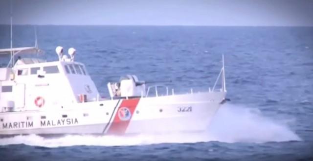 Βύθιση ινδονησιακού φορτηγού πλοίου με 15μελές πλήρωμα