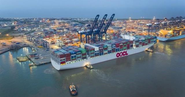 Το λιμάνι του Felixstowe υποδέχτηκε το «OOCL Hong Kong»