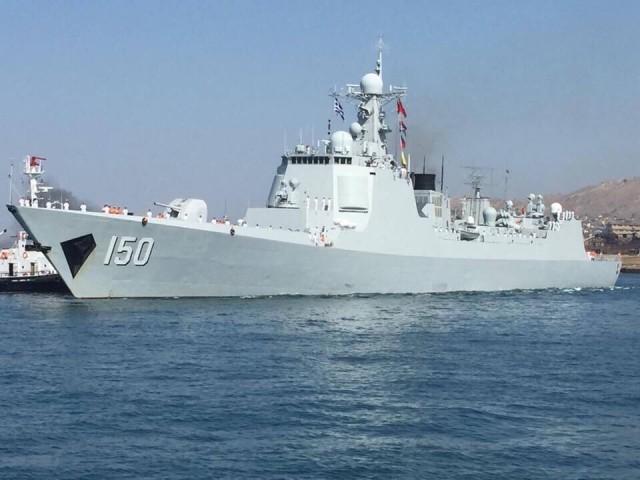 Το κινεζικό Πολεμικό Ναυτικό καταπλέει στο λιμάνι του Πειραιά