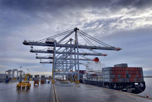DP World: Αύξηση ρεκόρ στη διακίνηση εμπορευματοκιβωτίων