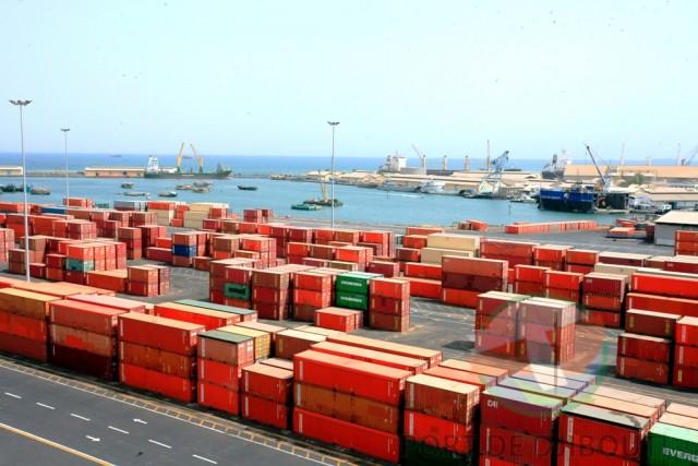 Πρώτοι οι Κινέζοι στις εξαγορές τερματικών σταθμών διαχείρισης εμπορευματοκιβωτίων