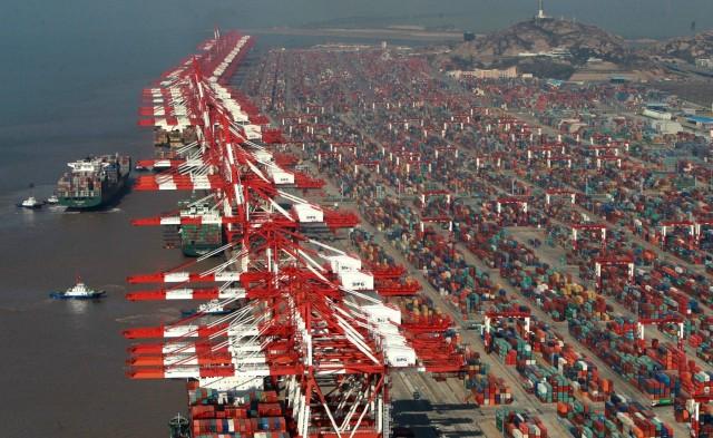 Επιβράδυνση του εμπορίου παρουσιάζει η Κίνα