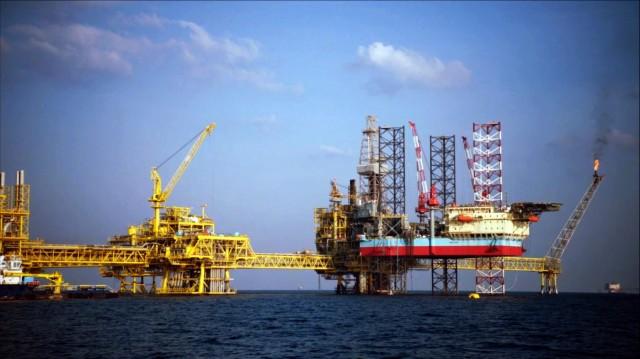 Η Total εξαγοράζει την Maersk Oil