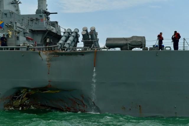 Σύγκρουση αμερικανικού αντιτορπιλικού με δεξαμενόπλοιο