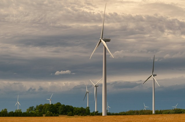 Στροφή προς τις ανανεώσιμες πηγές ενέργειας
