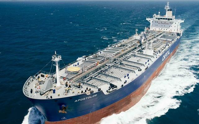 Σε χρονοναύλωση τριών πλοίων της προχωρά η Capital Product Partners LP