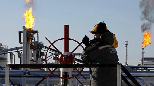Ο τυφώνας Χάρβει έπληξε την καρδιά της πετρελαιοβιομηχανίας των Η.Π.Α.