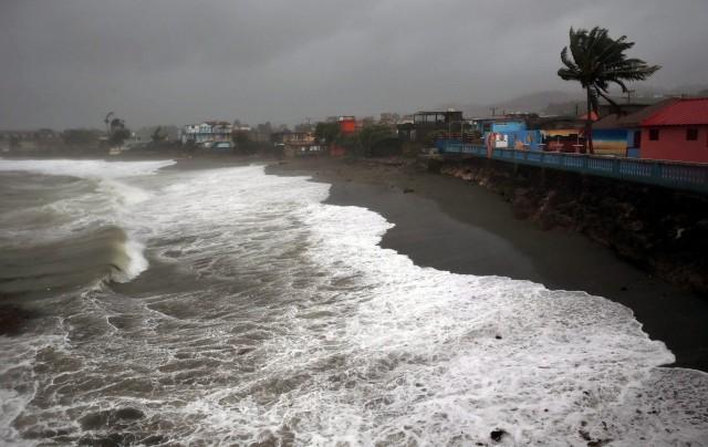Ο τυφώνας Ίρμα προκαλεί αναστάτωση στην κρουαζιέρα