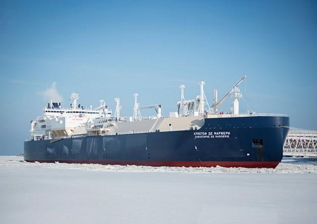 Η Ρωσία παραλαμβάνει 15 νέα LNG carriers
