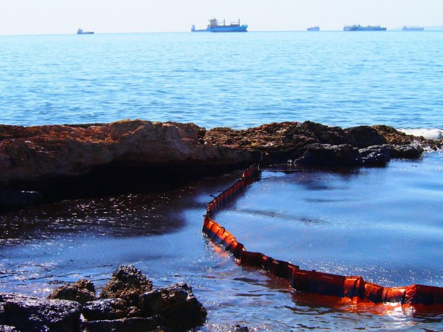 Η επίσημη απάντηση της πλοιοκτήτριας για το δυστύχημα του δεξαμενόπλοιου στο Σαρωνικό