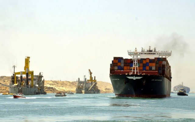Νέο ρεκόρ καταγράφει η διώρυγα του Σουέζ
