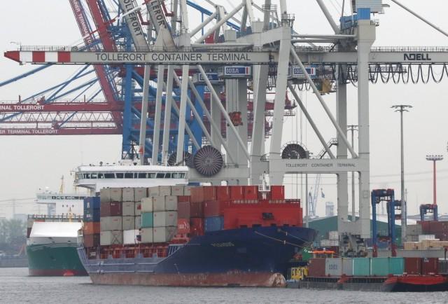 Το Βερολίνο δεν πτοείται ως προς τις εμπορικές σχέσεις με τη Μόσχα