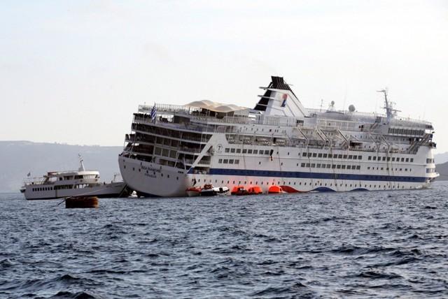 """Ανέλκυση του """"Sea Diamond"""" με εντολή του υπουργού Ναυτιλίας"""
