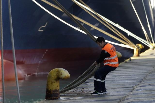 «Δεμένα» τα πλοία σε Κέρκυρα και Ηγουμενίτσα