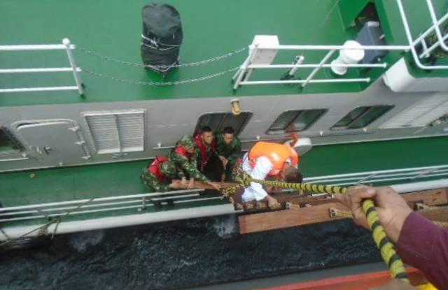 Διάσωση τριών ναυαγών από το «VSC Triton Seastar»