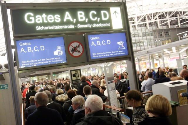 Ταλαιπωρία των επιβατών από Ελλάδα στα γερμανικά αεροδρόμια