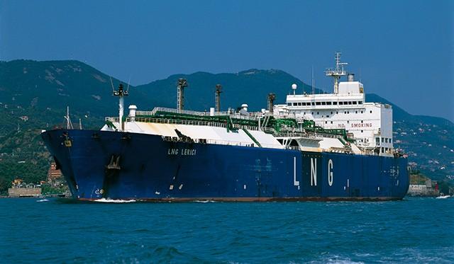 Προς πώληση τα δύο τελευταία πλοία μεταφοράς LNG της Eni