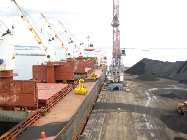 Συνεχής μείωση των εισαγωγών άνθρακα από την Κίνα