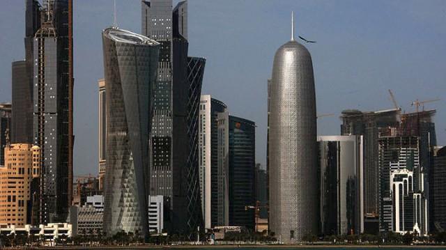 Συμφωνίες δισεκατομμυρίων για το «στριμωγμένο» Κατάρ από τη Γαλλία