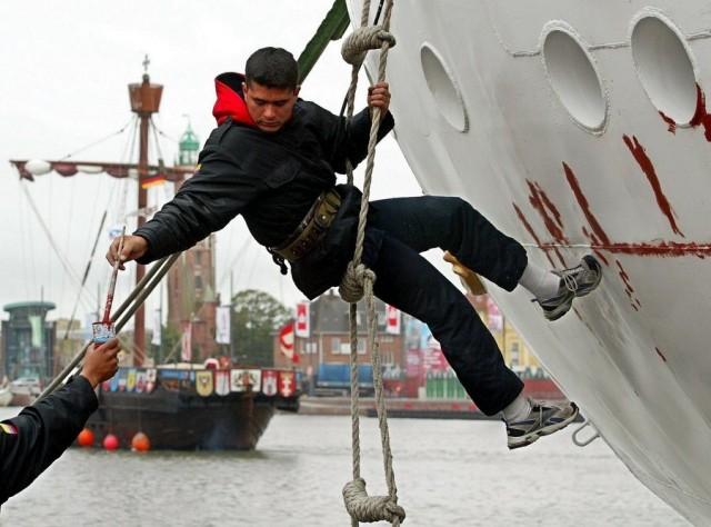 Το Βερολίνο ενισχύει τη ναυπηγική του βιομηχανία